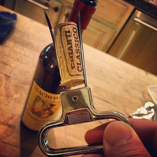 たまに使いたくなるTwin prong cork puller。