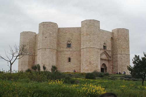 Castel Del Monte, esterno 01