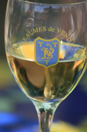 vin blanc (BEAUMES-de-VENISE,FR84)