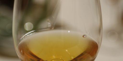 A glass of Tokaji.jpg